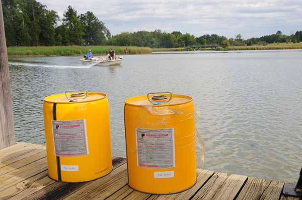 Managing Ponds. Liquid rotenone (5%) is an approved fish toxicant. In larger lakes and ponds it is best to apply rotenone from a boat using a high-pressure sprayer.