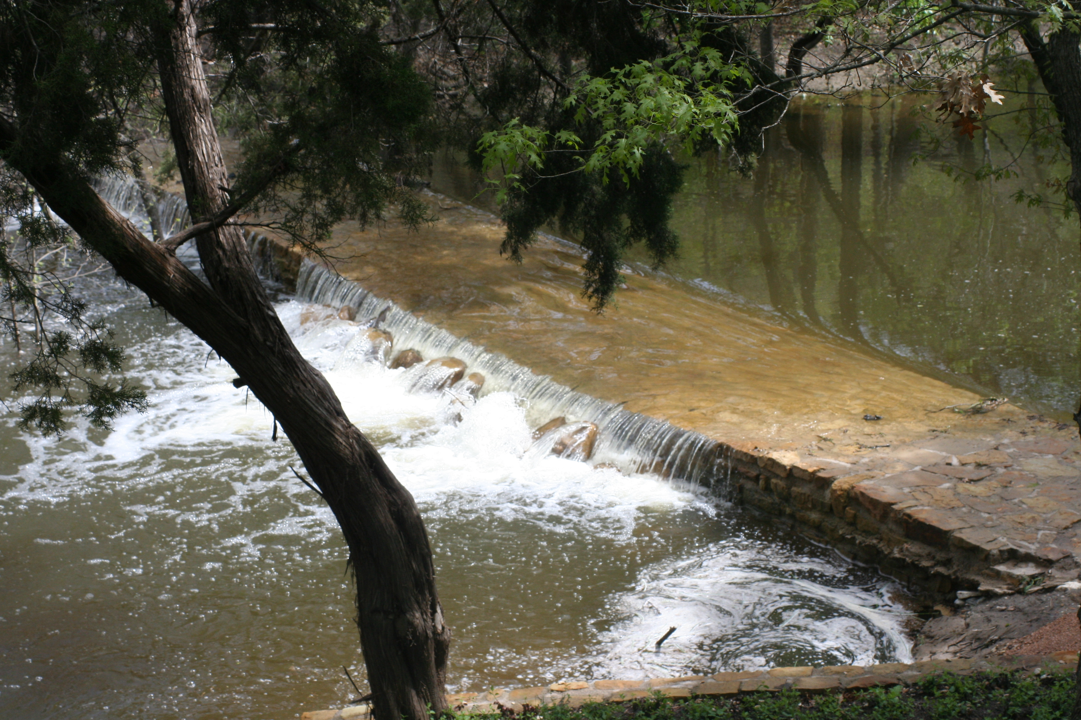1feature 1 weir 1 bob lusk outdoors for Small pond dam design
